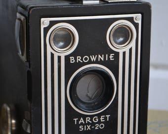 Vintage Black Eastman Kodak Brownie Target Film Six-20 Camera