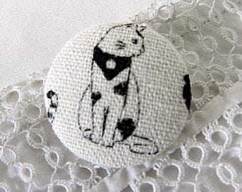 Button fabric with cat, 32 mm /1.25 in diameter