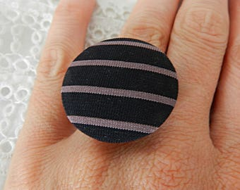 Adjustable ring in purple and black striped fabric