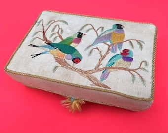 Vintage 40s 50s Embroidered Birds Jewellery/Keepsake Box