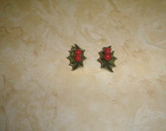 vintage clip on earrings lucite holly berries