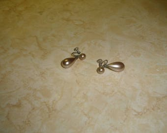 vintage screw back earrings faux pearls drop dangles