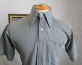 "70s 15 1/2"" Andhurst Polyester Knit Men's Big Collar S/S Shirt Gray Geometric Print"