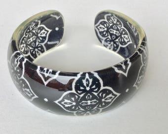 Unique Mandala Black and White Lucite Cuff vintage Bracelet