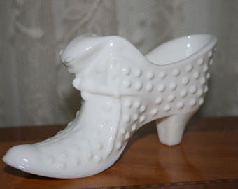 Vintage Fenton White Milk Glass Hob Nail Hobnail Shoe Boot Slipper Cat Kitten Kitty Face