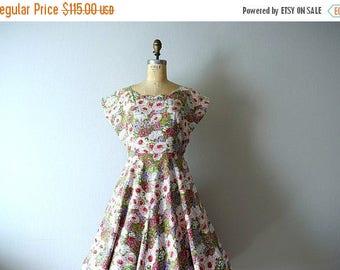 25% SALE 1950s spring floral dress . large vintage 50s dress
