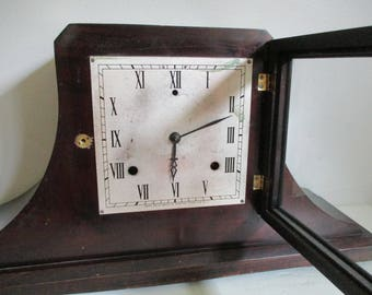Gilbert MANTLE CLOCK, Rare Wood Silhouette, Antique Face Patina, Winsted CONN., Glass Front Door, Chimes Pendulum Key Included, As-Is