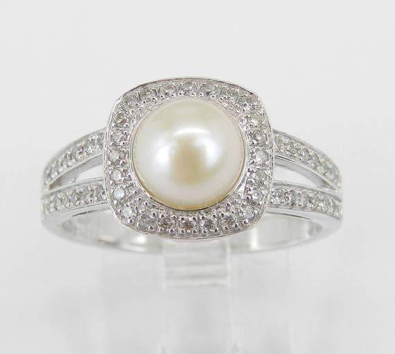 White Gold Pearl and Diamond Halo Engagement Ring June Birthstone Gem Size 7