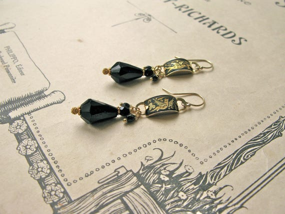 Pompadour Toledo earrings...