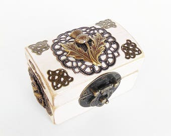 Engagement Ring Box - Ring Bearer Box - Thistle and Celtic Knots - Scottish Wedding