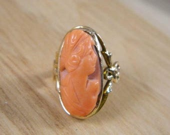 14k Gold Angel Skin Coral Cameo Ring / Vintage Yellow Gold Coral Cameo Ring / Hand Carved Cameo Ring / Yellow Gold Ring Size 7.5