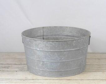 Galvanized tub etsy for Large metal wash tub