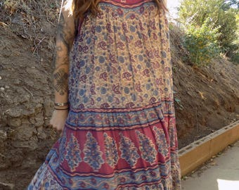 Vintage 70s Indian Cotton dress- mid length- beautiful pattern- fits many sizes