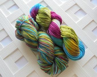 Handdyed Yarn, VENICE Superwash Merino Yarn, Superwash Sock Yarn, Speckled Wool Yarn, Sock Yarn, Hand Dyed Sock Yarn, Indie Dyed Yarn, Knit