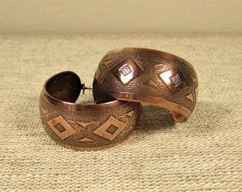 Wide Copper Hoop Earrings - Vintage Southwest Style Diamond Pattern