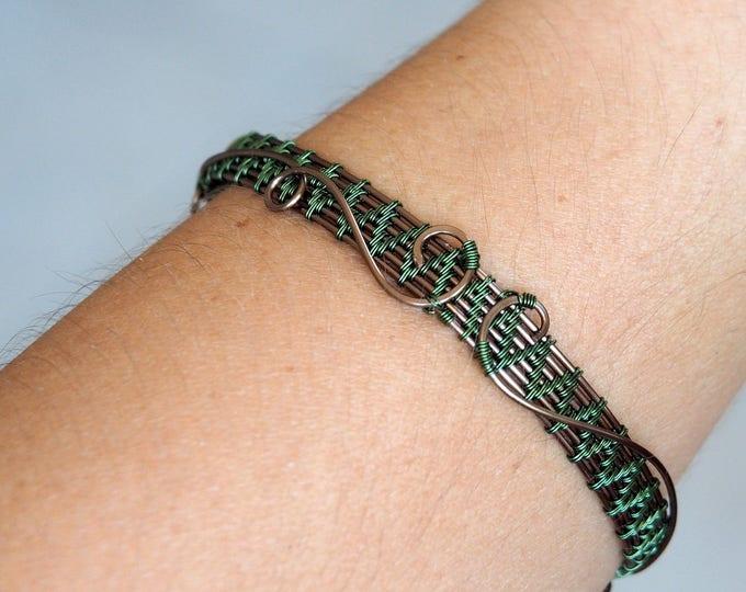 Green bangle bracelet ~ Wire wrapped jewelry ~ Handmade