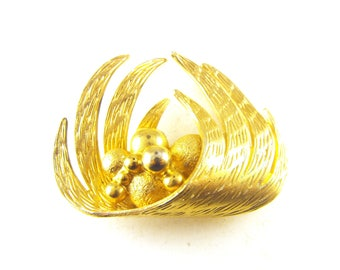 Signed Coro Brooch Very Unusual Design Textured Gold Tone Spheres Nesting In Wings Designer Signed Vintage Collectible