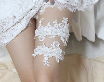 Lace garter set, wedding garter set, lace wedding garter set, bridal garter set, wedding garter belt