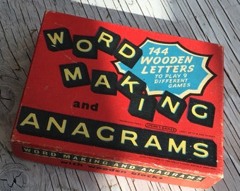 Word making and anagrams game, with 144 wooden yellow letters on black. Spear Games, made in Enfield England. Complete game circa 1960s.