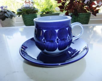 Vintage Swedish tea cup and saucer - Matilda by Gustavsberg Studio - Lisa Larson design