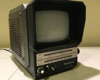 Vintage Panasonic Portable TV Radio vhr/uhf and AM/FM  Model No Tr-5041P