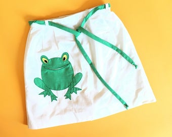 Frog pocket skirt with built in shorts, frog patch mini skort, vintage 60s, size small