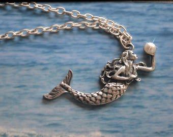Mermaid Necklace, Mermaid Pendant, Mermaid Tail, Little Mermaid, Mermaid Gift, Mermaid Jewelry, Beach Necklace, Ocean, Mermaid with Pearl