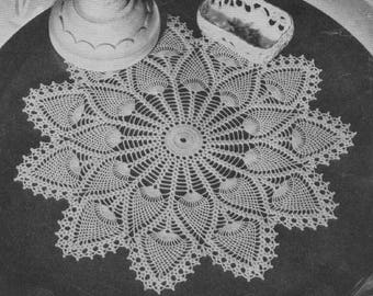 "Vinage Crochet Pattern ""Pineapple - 7275"" from 'Doilies, Book 147, Luncheon Sets and Tablerunners', The Spool Cotton Co., 1940"