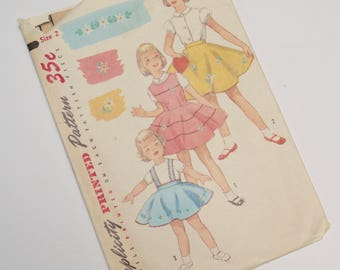 vintage girls dress / circle skirt / jumper pattern with transfer: simplicity 1823