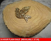 Goldtone bird brooch for wear or craft