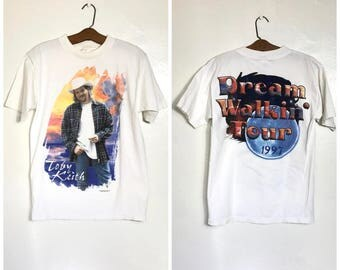 RARE Vintage 90s Toby Keith T Shirt in White 1997 Dream Walkin' Tour Concert T Shirt Band Country Music T Shirt Medium M C1