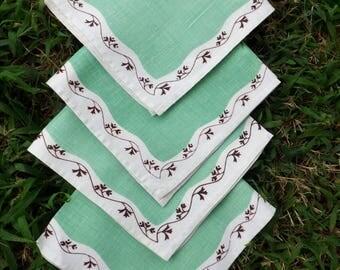 Eye catching vintage linen napkins - set of four - mint