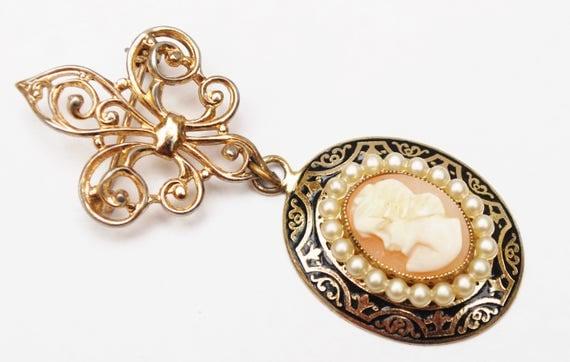 Coro Cameo Brooch - Fleur de Lis - white  pearl and gold dangle  Vintage Pin