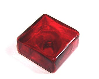 A square 25 mm glass TRANSPARENT red stained glass globe
