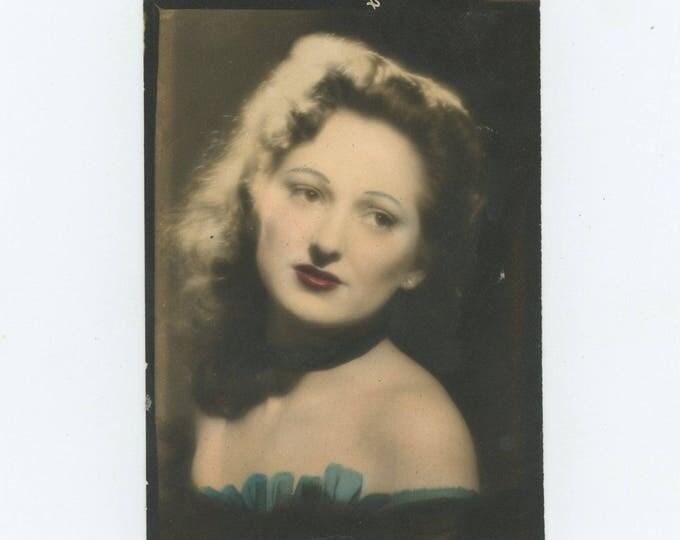 Vintage Snapshot Photo: Portrait of Woman, Hand-Tinted, c1940s (81636)