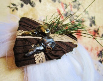 Fascinator mini hat steampunk crow and roll