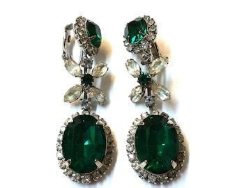 Vintage Kramer Emerald Green Diamond Rhinestone Dangle Earrings