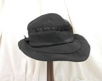 Antique Lady / Women's Unused Black Crepe Fabric French Hat 1910s Belle Epoque with Black Ribbon and Seed Beads in Excellent Condition