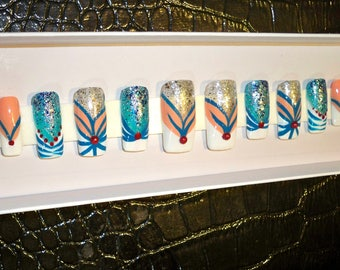 Handpainted Nails, Press on nails, French Manicure with a twist, Fake nails, Glue on Nails, Creative nails, Nail design