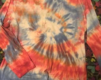 XL long sleeve tie dye T-shirt red blue