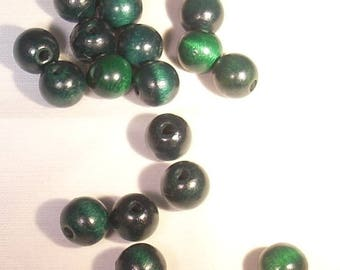 10 green wooden beads 10mm round
