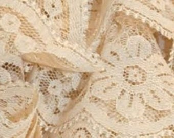 NEW model: Ruffle scarf lace guipur beige - col 51