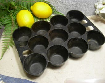 Griswold 948 A #10 Cast Iron Muffin Popover Pan