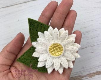 Wool Felt Daisy Hair Clip, Hair Clip, Hair Accessory, Floral, Flower Bow