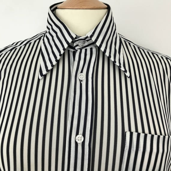 "Vintage menswear polyester knit shirt dagger collar short sleeve 46"" fitted black white striped dress 16"" collar mans disco top Mod"