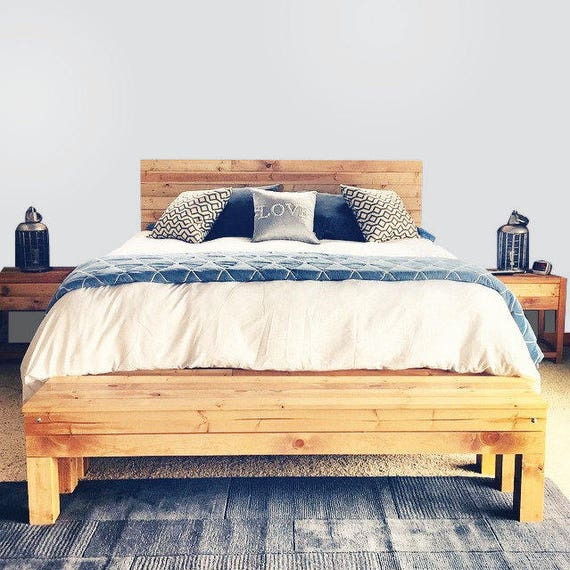 Le pin noueux seulementrustique de Northwoods tête de lit