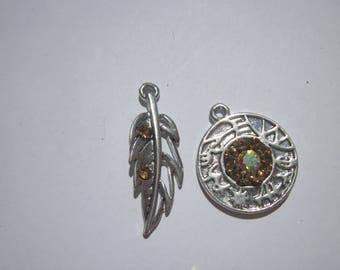 2 pendant charm feather and round (G14)