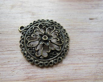 Clearance * 2 pendants rose, bronze