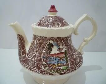 VERNON KILNS TEAPOT. Late 1940's Early 1950's Vernon Kilns California Pottery Teapot.  Collectible Vernon Kilns Pottery.  Pattern 1860.