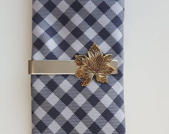 Silver Tie Clip with Gold Maple Leaf, Tie Bar, Modern, Rustic, Woodland, Nature, Forest, Canada, Men, Groom, Best man, Wedding, Father's Day